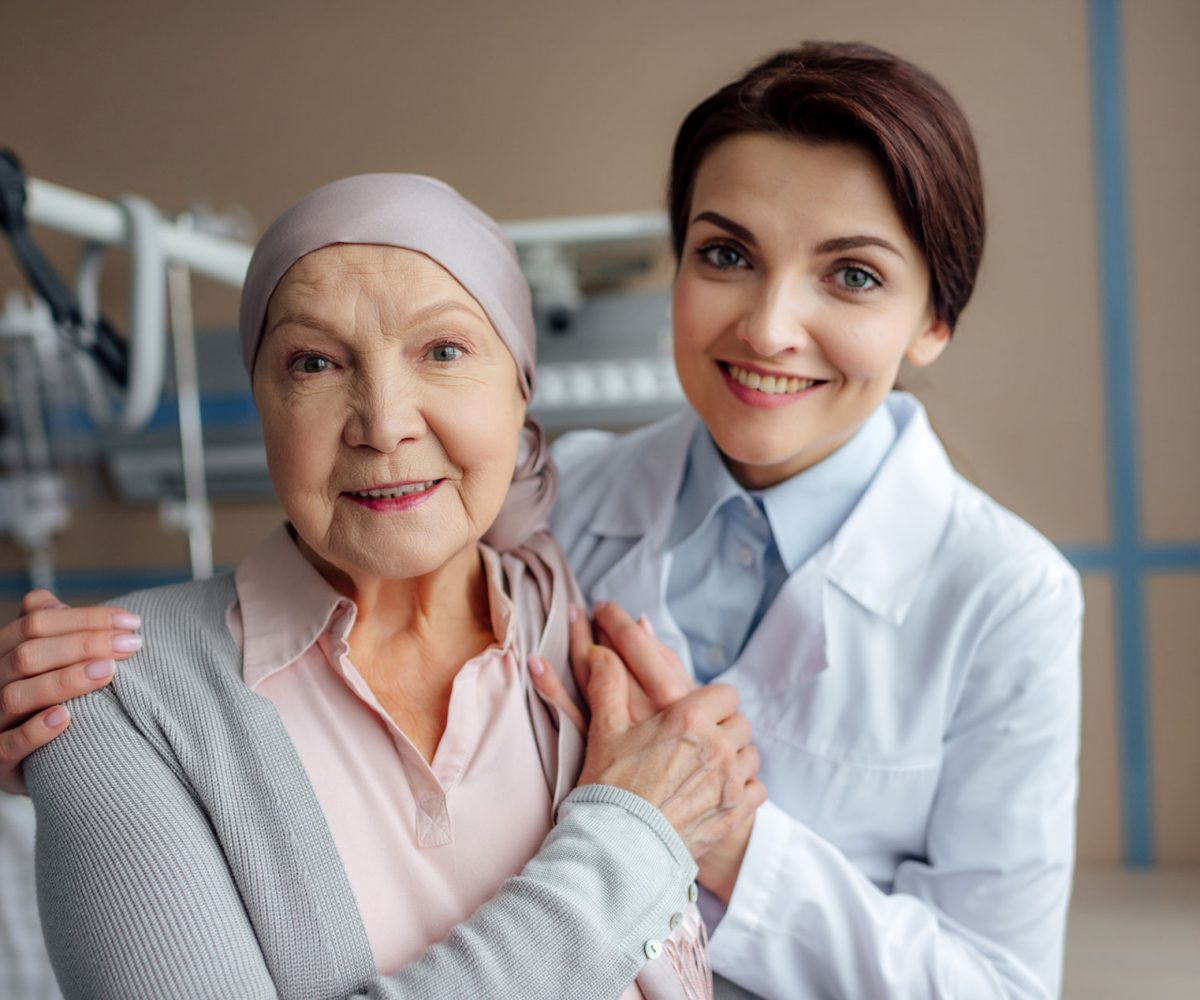 cancer-patient-and-doctor